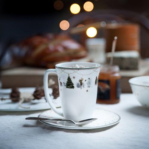 f9a7b5fc Deres Norske opphav er med på å sette et Norsk preg på deres ulike  serviser. Dette spesielt på juleserviset og Alveseriene der inspirasjonen  er hentet fra ...